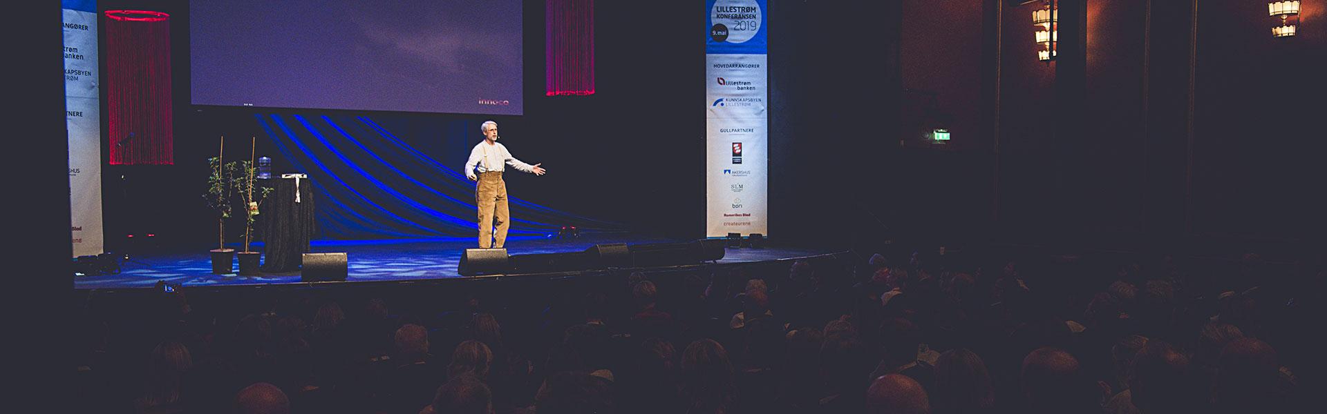 Lillestrømkonferansen sjur dagestad på scenen